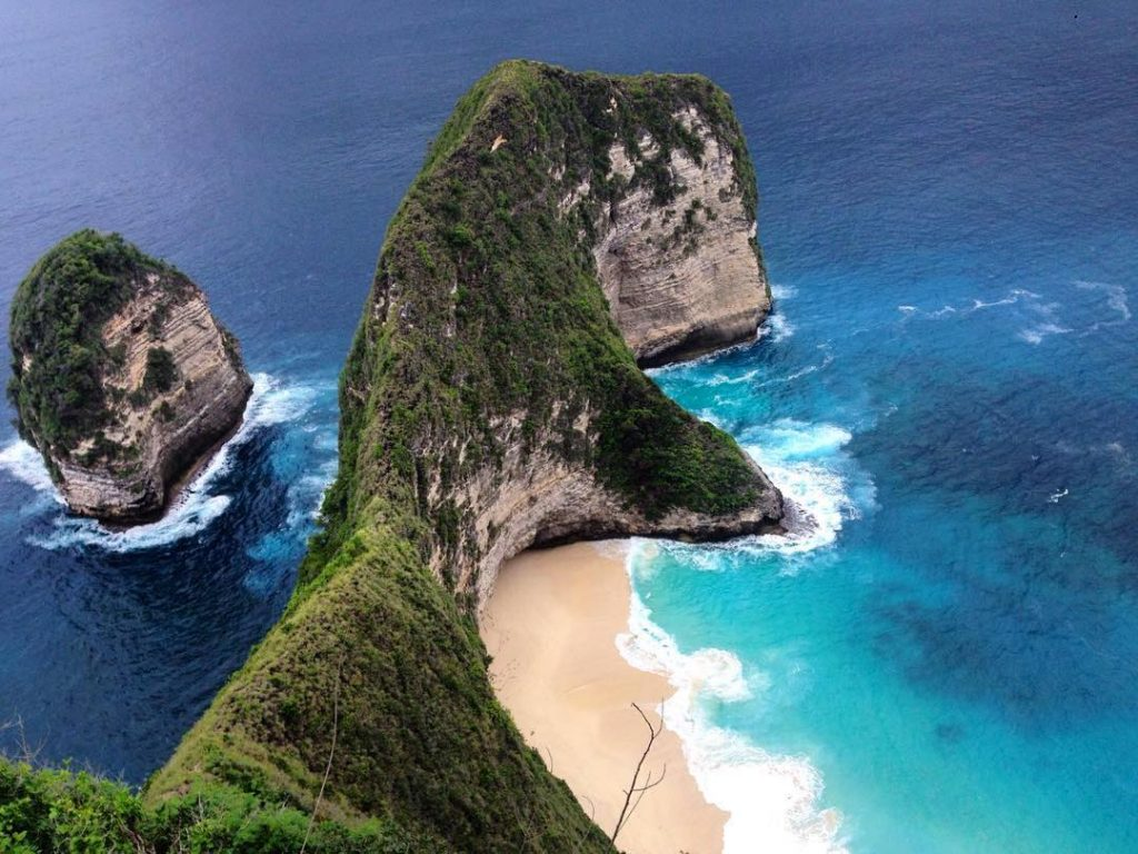 foto dari tebing atas kelingking beach nusa penida